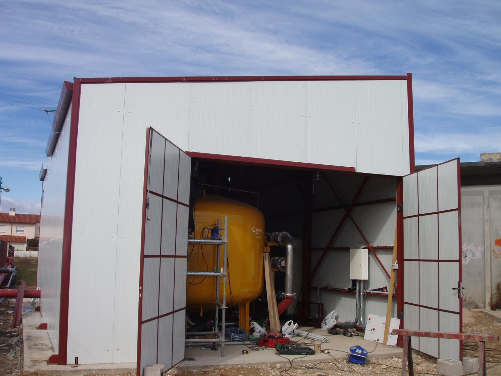 Naves y estructuras industriales para edificación y plantas